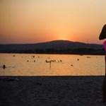 Végül is hány strandot zárnak be a Velencei-tónál?