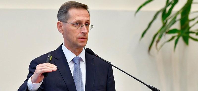 A kormány ezer milliárd brüsszeli forintért módosíttatja a költségvetést