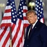 Trump magára öltötte Amerika Kapitány köpenyét