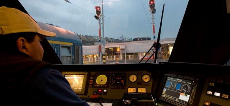 Már néhány vonatjegyből kijön a vonatos wifi havi díja