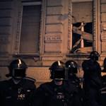 Rogán: Nem futballhuligánok voltak a Fidesz-székháznál