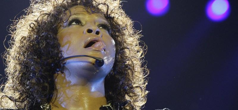 Meghalt Whitney Houston