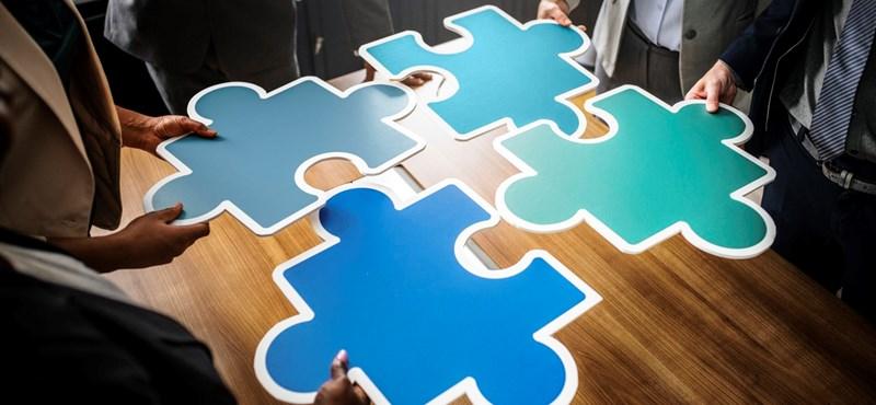 A nap fotója: egyetlen darabos ez a budapesti puzzle, mégsem sikerült kirakni