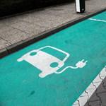 Gyalogosbarátabbak lesznek az elektromos autók július 1-től