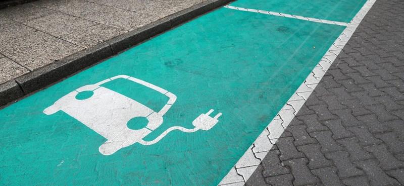 Készletkisöprések után bezuhant a zöld rendszámos autók eladása itthon