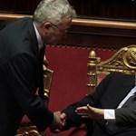 Halló! Buknia kell Berlusconinak, hogy fellélegezhessünk?