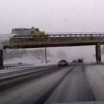 Videó: tél előtti tanulság, csak óvatosan a hókotró közelében