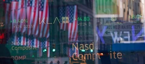 Amerikában két kézzel öntik a pénzt a gazdaságba