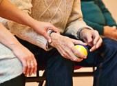 Új költséget varrhatnak az önkéntes nyugdíjpénztári tagok nyakába