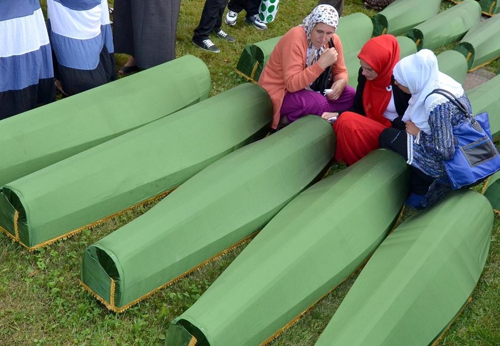 afp.14.07.10. - Srebrenica évforduló - 7képei