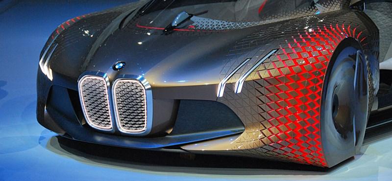 100 éves a BMW, és ezerrel készül a következő 100-ra