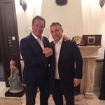 Orbán Schwarzeneggerrel közös képet posztolt - fotó