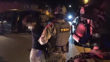 A TEK ébresztette a pilisi férfit, aki fegyverrel fenyegette a szomszédait