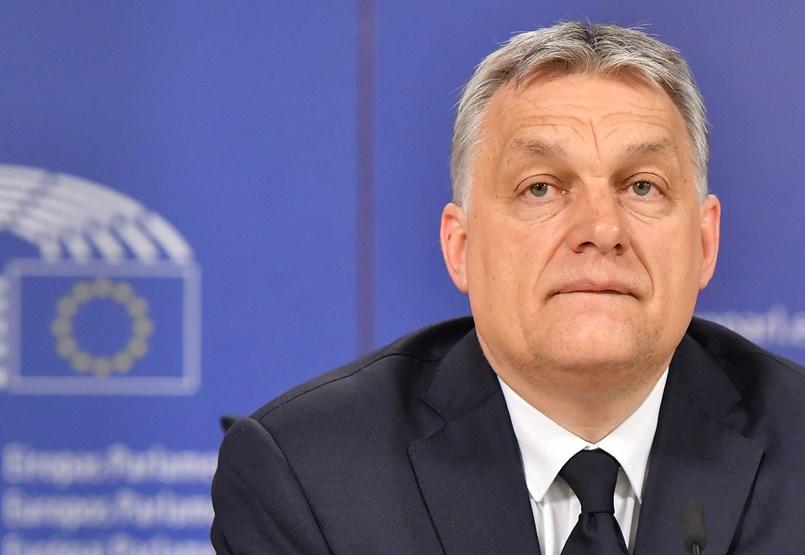 Orbán lenyelte a békát, hogy a választások után visszavághasson mostani ellenfeleinek