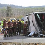 Elaludhatott a sofőr, ezért halt meg 13 egyetemista