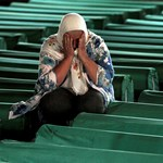 Srebrenica: 142 év börtönt kaptak szerb katonák Szarajevóban