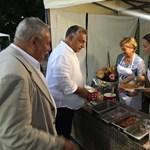 Orbán Viktornak két forint a forró lángos Kötcsén