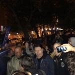 Kopaszok is felbukkantak Gulyás Márton közelében a Szabadság téren - fotó