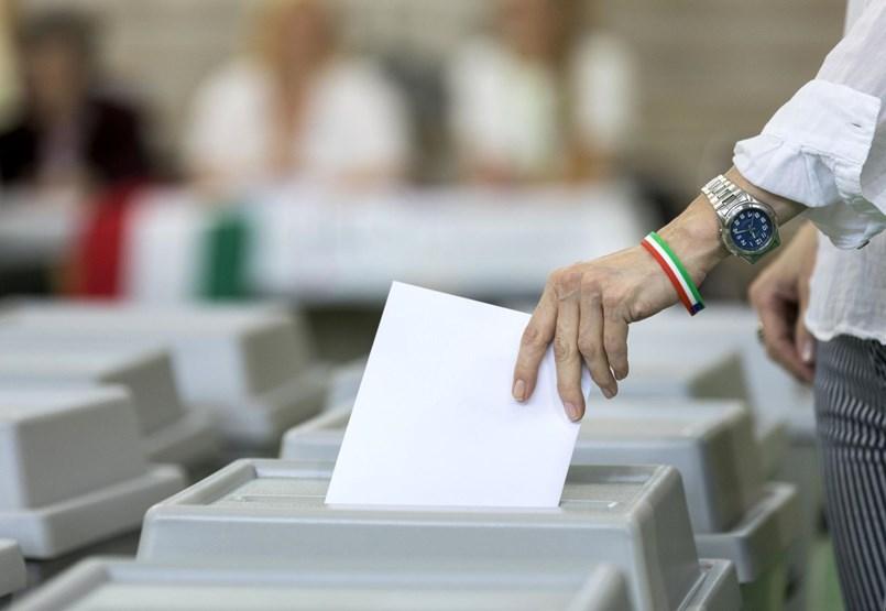 Szivárognak az eredmények: Fidesz 13, DK 4, Momentum 2, Jobbik és MSZP-P 1-1 – eredmények percről percre