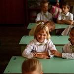 Hoffmann Rózsa: nem kizárt, hogy kötelező lesz az iskolaköpeny