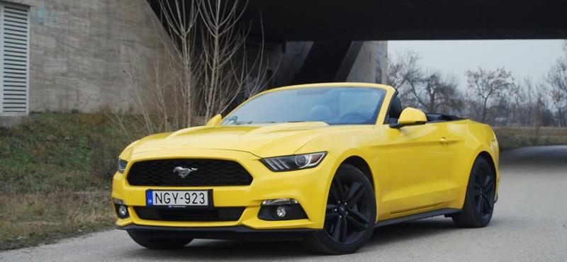 Autó  Ford Mustang Convertible-teszt  megérte 50 évet várni  - HVG.hu f974b6c23c