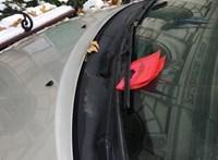 Baranyi Krisztinát megbüntették a polgármesteri hivatal előtt a parkolóőrök