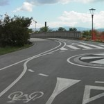 Kötelező lesz rendszámtáblát tenniük a biciklijükre egy brit iskola diákjainak