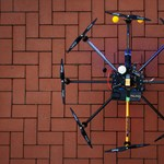 Drónokat küldenek a cseh rendőrök a gyorshajtókra