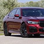 Szabadságon a józan ész: teszten a V12-es biturbó új BMW M760Li