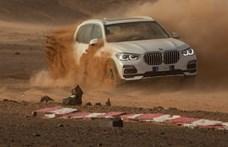 A BMW felépítette a Szaharában a monzai versenypálya tökéletes mását