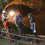 Ezt az utat kell megtenniük, hogy kijussanak a barlangban rekedt fiúk