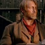 Mads Mikkelsen ezúttal westernhőssé változik – előzetes