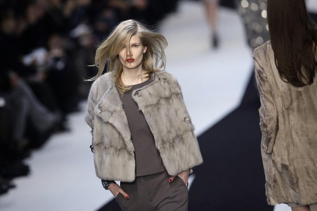 Párizs divatbemutató-Reflektor