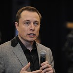 Egyetlen nap alatt másfél milliárd(!) dollárt bukott Elon Musk, amiért pedofilnak nevezte az egyik thaiföldi búvárt