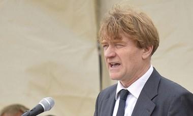Durvul a kampány Csömörön: a polgármester erőszakkal vádolja fideszes kihívóját