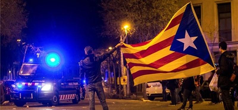Autópályákat blokkoltak a katalán tüntetők