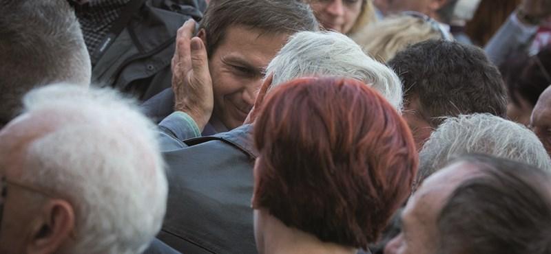 """Bajnai hónapról-hónapra felsorolta az Orbán-kormány """"disznóságait"""""""