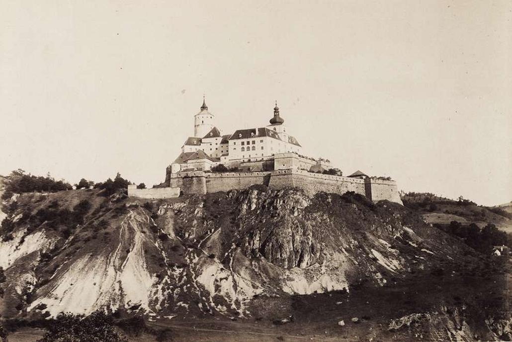 fortep_! - Klösz György kastély nagyítás - Esterházy Miklós herceg fraknói vára bástyával (A XVII-XIX. században kastélynak nevezték). A felvétel 1895-1899 között készült.