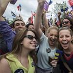 Filmet forgatnak a melegházasság amerikai legalizálásáról