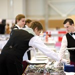 Az adóhatóságon múlik több tízezer egyetemista nyári munkája