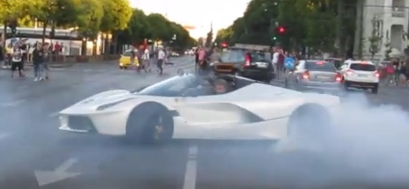 A Hősök terénél, a forgalomban égetett gumit Ferrarijával a budapesti milliárdos – videó