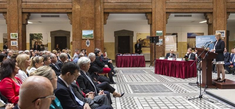 """""""Forradalom"""" a bíróságokon: igen kritikusnak ígérkező Országos Bírói Tanács alakult"""