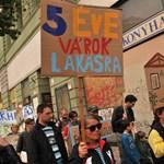 Fotók: tüntet a belvárosban a Város Mindenkié Csoport