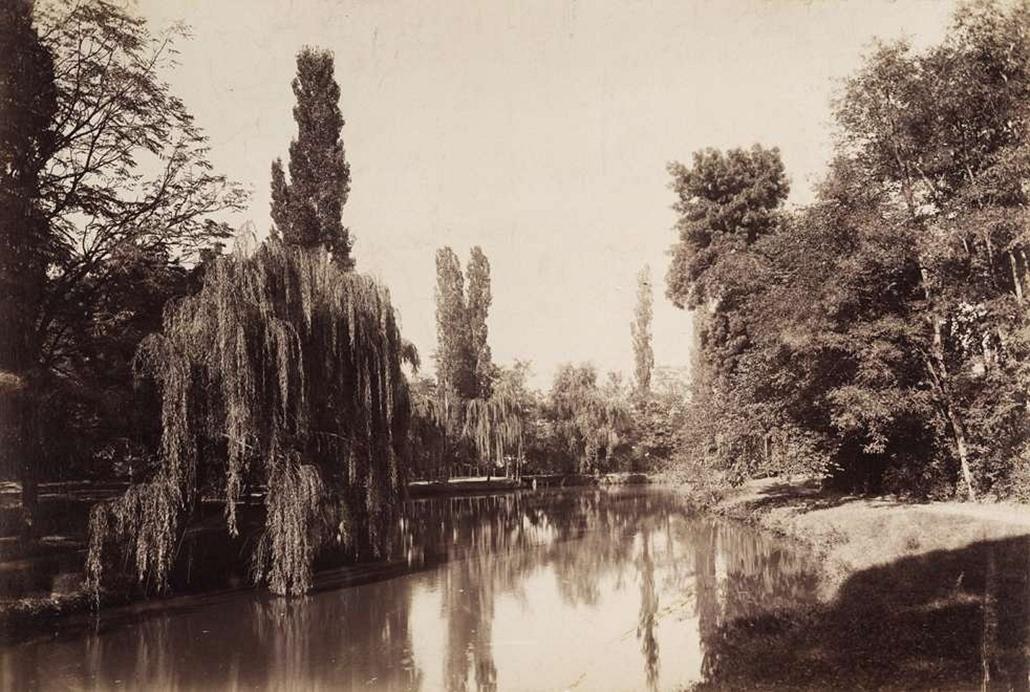 fortep_! - Klösz György kastély nagyítás - Szápáry Pál gróf nagyszentpéteri (Rácz-Szent-Péter) kastélyának tava. A felvétel 1895-1899 között készült.