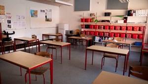 Országos sztrájkot szerveznek a francia iskolák kinyitása miatt