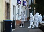 Un banco fue asaltado el día quince.  Distrito, la policía lanzó una persecución por parte de la policía