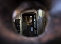 Beázó tető, penészes falak: a magyar lakosság negyede él ilyen lakásban