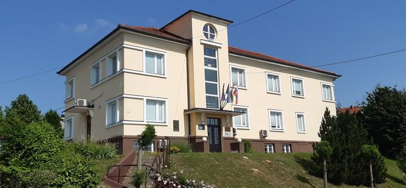 A kormány 600 millió forintért vesz házat Szlovéniában