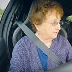 Szuperaranyos a driftelni tanuló nagymama – videó