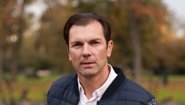 A XVIII. kerületi polgármester szerint tömeges elbocsátásokhoz is vezethetnek a megszorítások